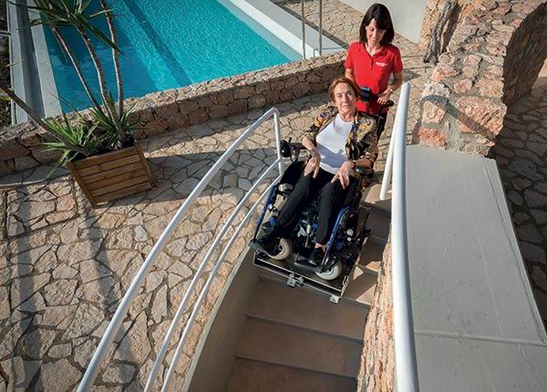 Monte-escaliers mobile à chenilles Domino People Slim