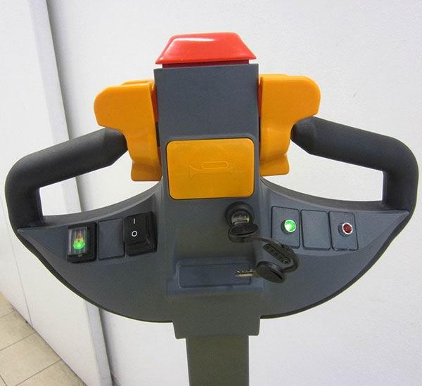 Tracteur-pousseur électrique DEC TR 4